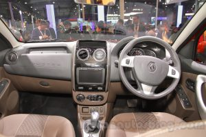 2016-Renault-Duster-facelift-interior-Auto-Expo-2016