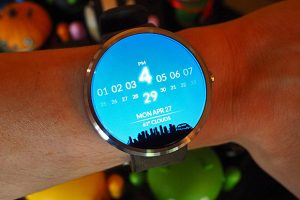 Google uncovers Android Wear 2.0 release details to designers 1   Reviewz Buzz